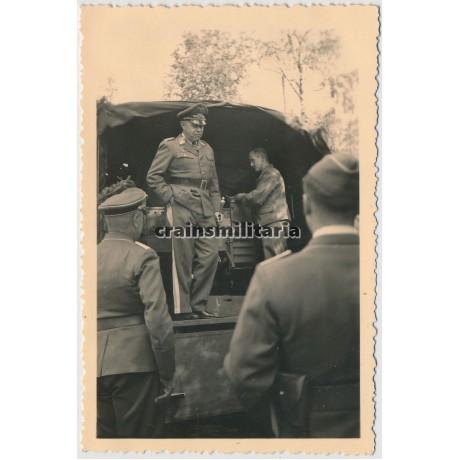 Generalfeldmarschall Kesselring in Smolensk