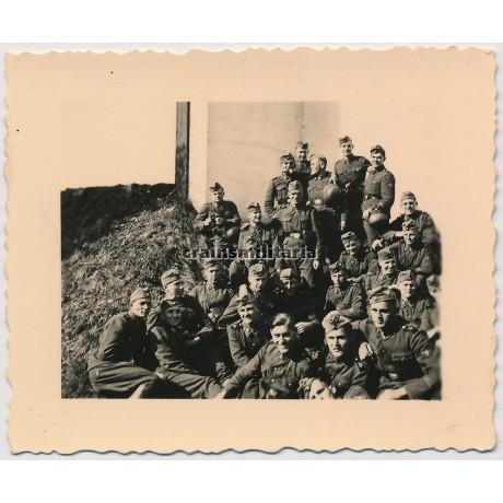 SS Deutschland soldiers in the West