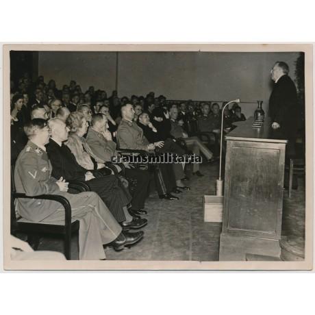 Bavarian politicians in München 1943