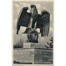 Statue in Nürnberg postcard
