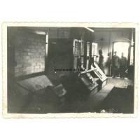 GI's in Dachau crematory