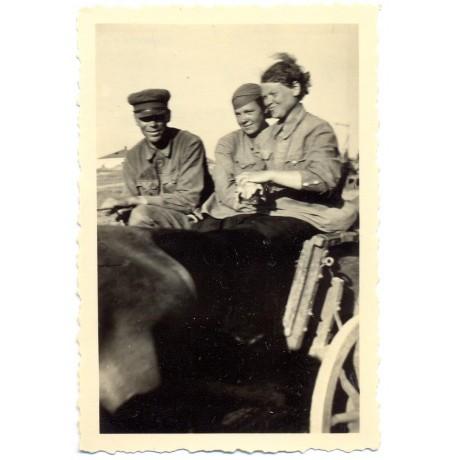 """Female Russian POW's """"Flintenweiber"""""""