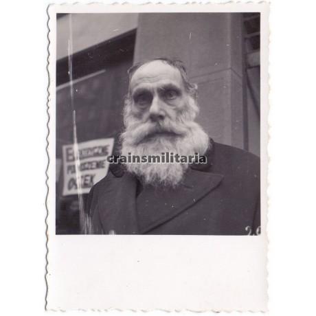 Portrait of Jewish man in Warschau Ghetto