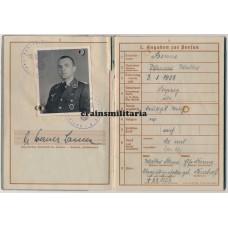 Kreta Fallschirmjäger officer Wehrpass, Gestapo denunciation