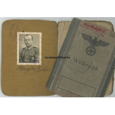 299.ID Soldbuch & Wehrpass grouping