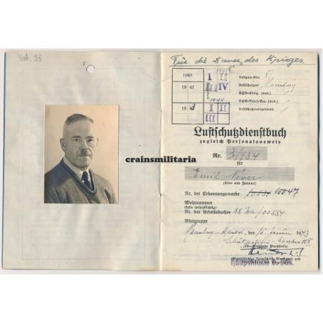 Luftschutz Dienstbuch Hamburg, WWI awards
